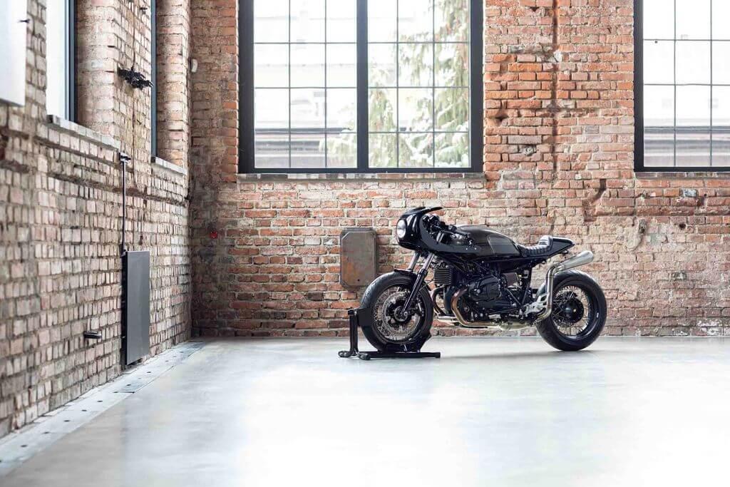 BLACK SWORD | BMW R nineT